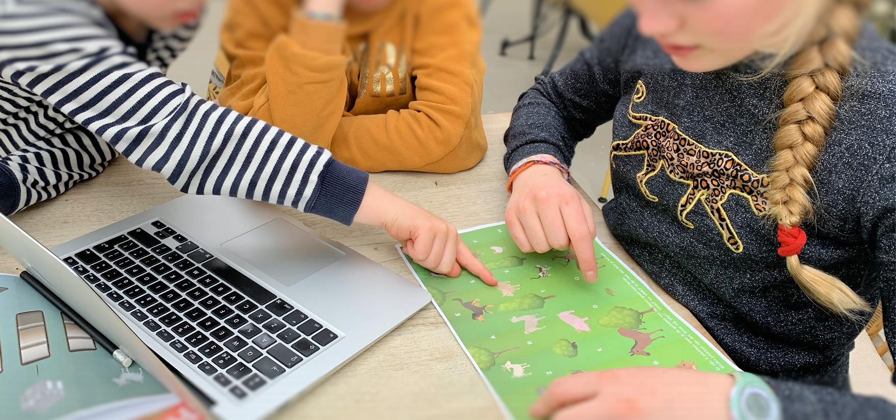 Kinderen spelen Escaperoom-voor-thuis